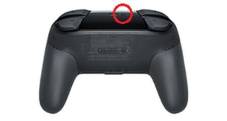 Switch Pro コントローラー ペアリングボタン